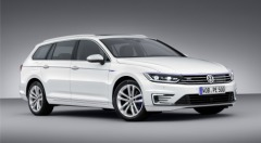 New Volkswagen Passat GTE Scores Highly Across the Board