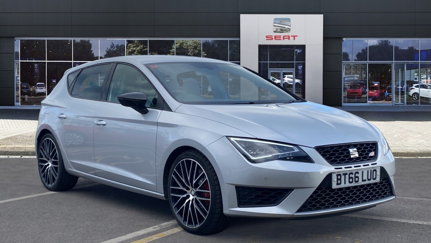 used seat leon 2 0 tsi cupra black 290 5dr petrol hatchback for sale vertu volkswagen. Black Bedroom Furniture Sets. Home Design Ideas