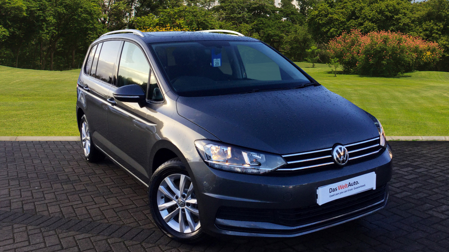used volkswagen touran 2 0 tdi se family 5dr dsg diesel estate for sale vertu volkswagen. Black Bedroom Furniture Sets. Home Design Ideas