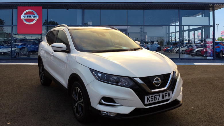 Nissan Qashqai 1.6 DiG-T N-Connecta [Glass Roof Pack] 5dr Petrol Hatchback