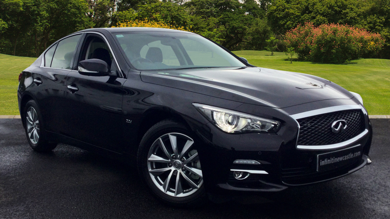 used infiniti q50 2 2d se 4dr diesel saloon for sale vertu volkswagen. Black Bedroom Furniture Sets. Home Design Ideas