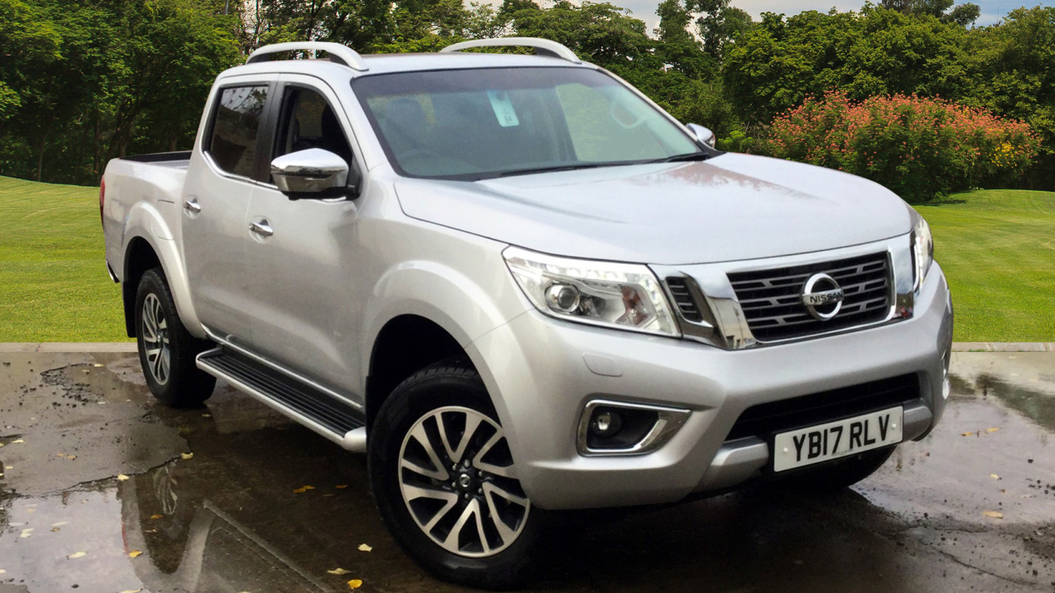 used nissan navara diesel double cab pick up tekna 2 3dci 190 4wd for sale vertu volkswagen. Black Bedroom Furniture Sets. Home Design Ideas
